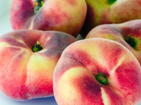 Market Haul: Donut Peaches